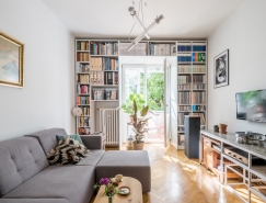 配置裝飾藝術風格家具的55平米純白公寓設計