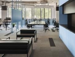 明斯克软件公司PANDADOC简约色块工业风办公室设计