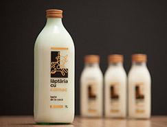 Laptaria cu caimac牛奶包装设计
