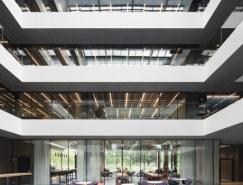 开放通透的办公环境:软件公司AEB斯图加特总部设计