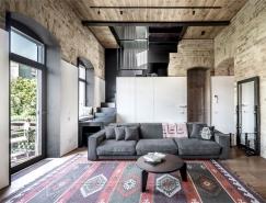 外露砖墙和漂亮的落地窗:乌克兰时尚的顶楼复式住宅