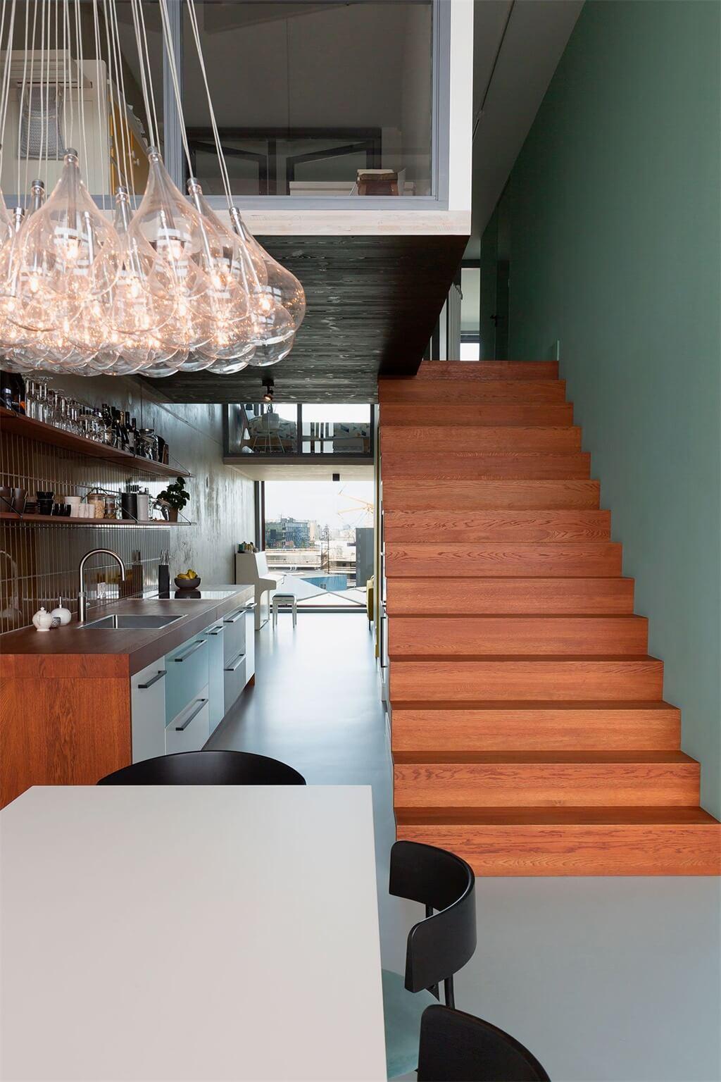 阿姆斯特丹的现代阁楼空间设计