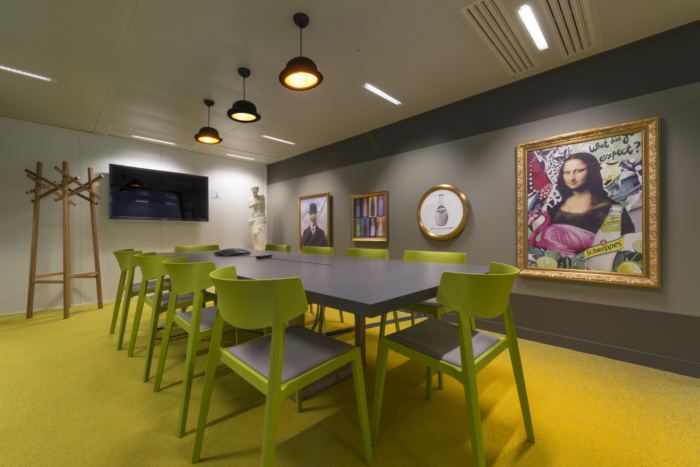 法国饮料厂商orangina办公室空间设计