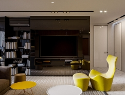 反光表面增加空间感:乌克兰190平米现代住宅设