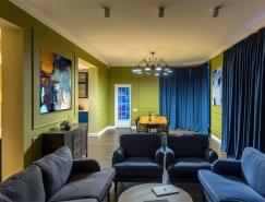 鲜明的色彩搭配:乌克兰TM Home现代温馨的复式住