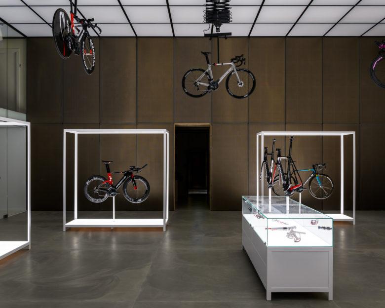 高端前卫的自行车展厅设计