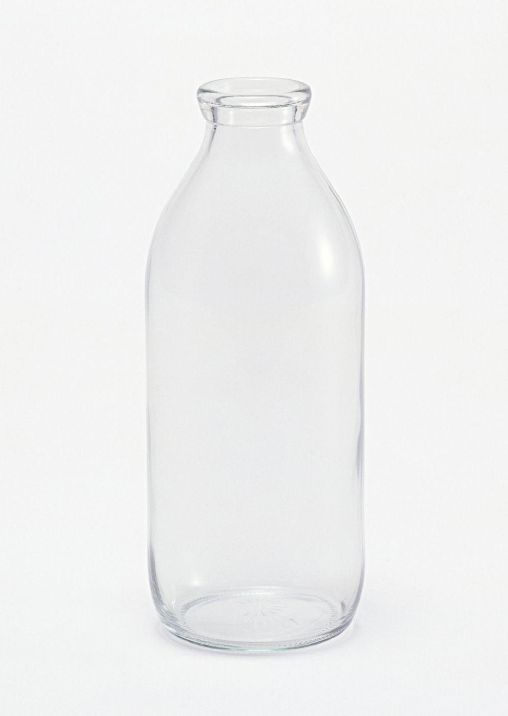 Photoshop快速抠出牛奶瓶和更换背景