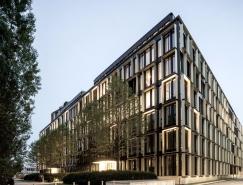 古铜色的金色铝框架:高品质的NOVA办公楼设