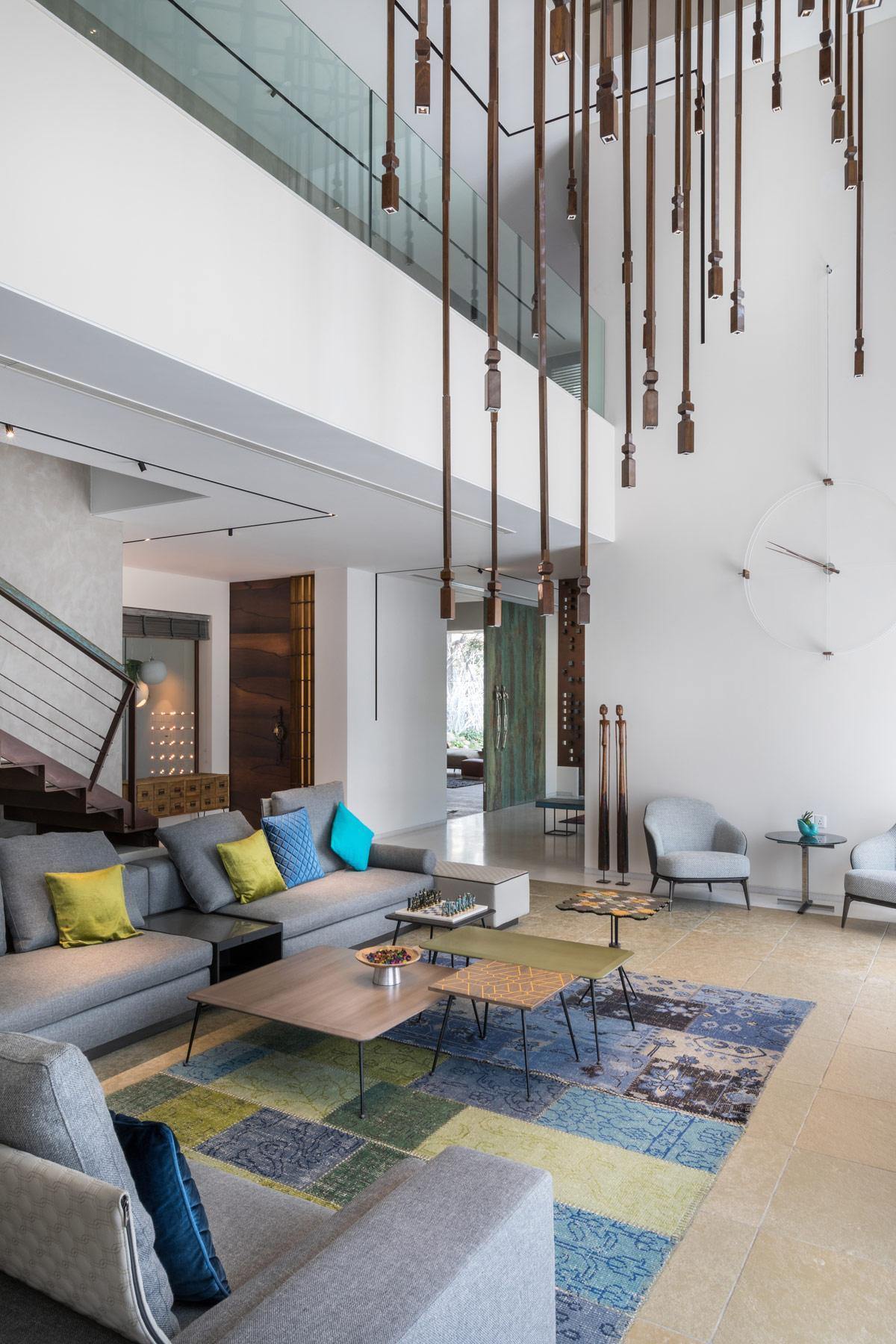 华丽的现代印度别墅与庭院设计