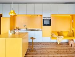 清新的白和温暖的黄打造的活力住宅