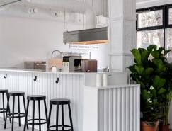 莫斯科BLOOM-N-BREW纯白工业风咖啡馆设计