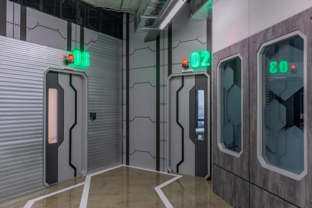 曼谷一间科幻主题风格的办公室设计