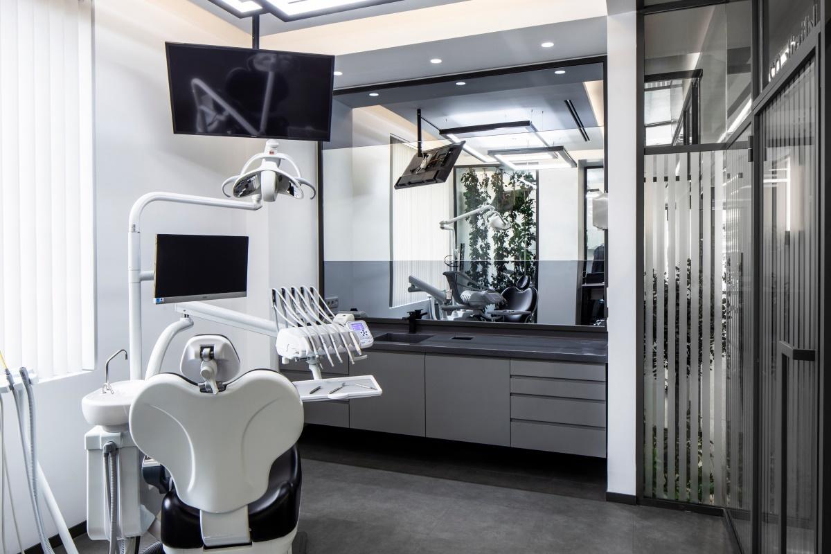 土耳其极简风格口腔牙科诊所空间设计