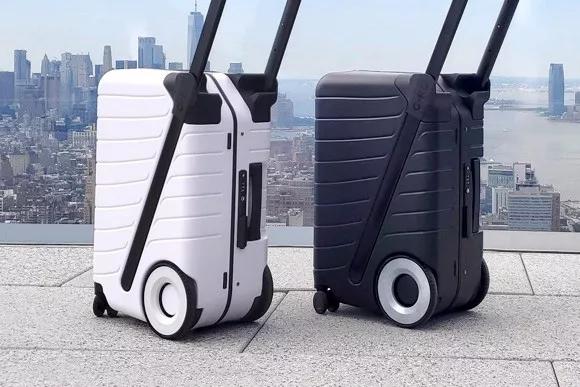 可以推着走的G-RO SIX行李箱