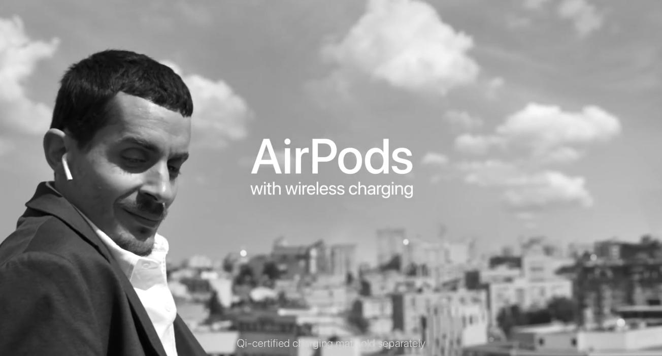 充满弹性的AirPods广告