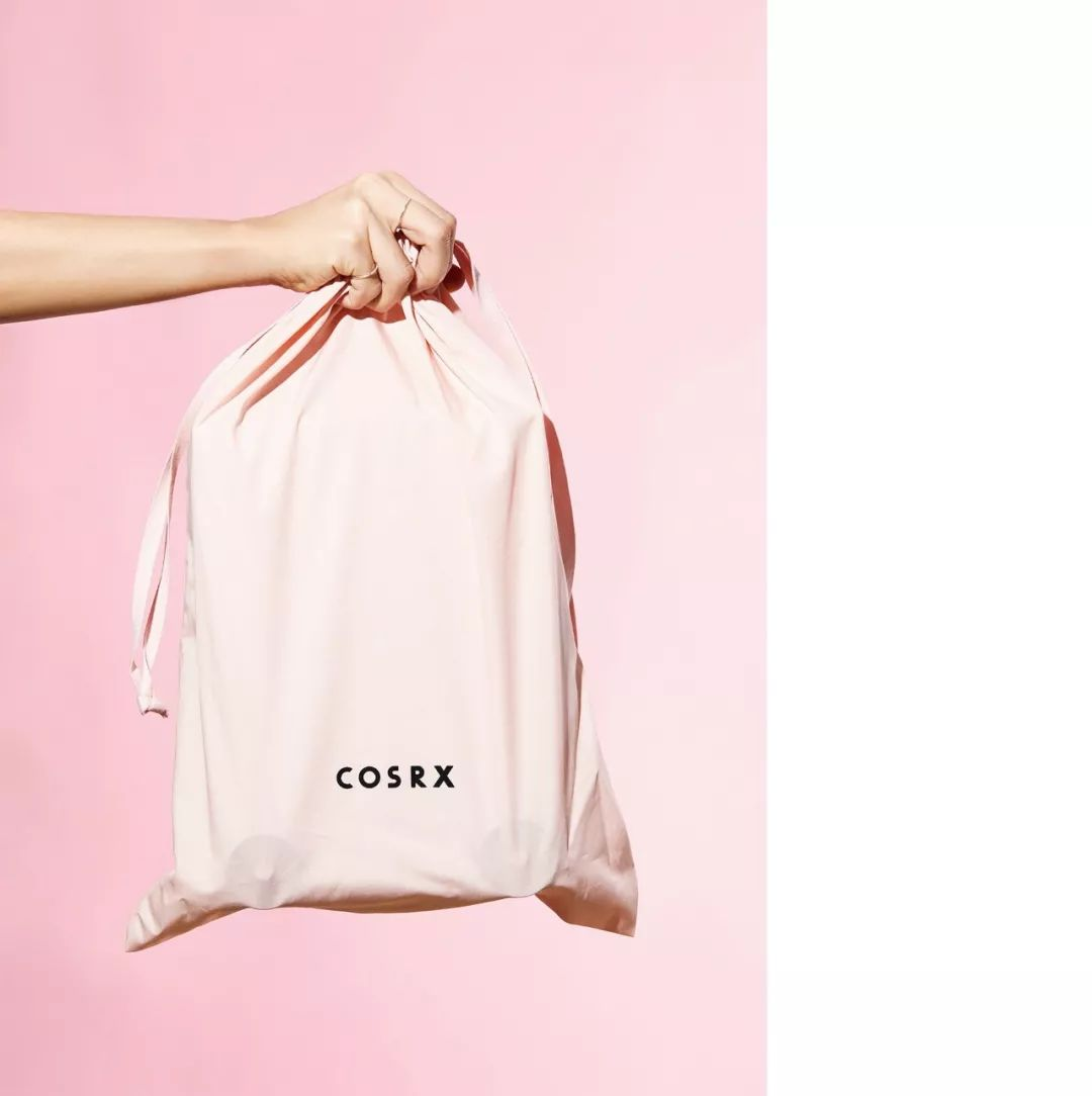 旅行箱造型的护肤品COSRX包装设计