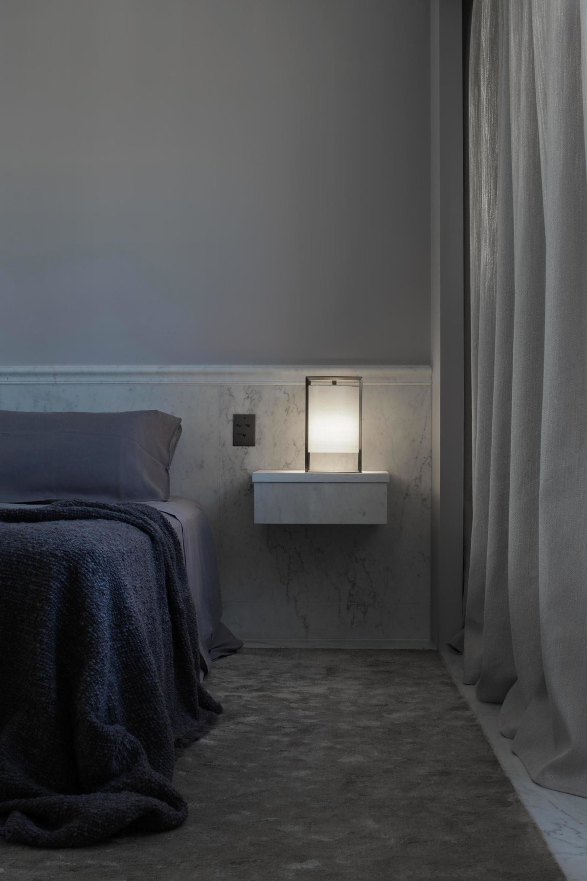 bedside-table-lamp-1-600x900.jpg
