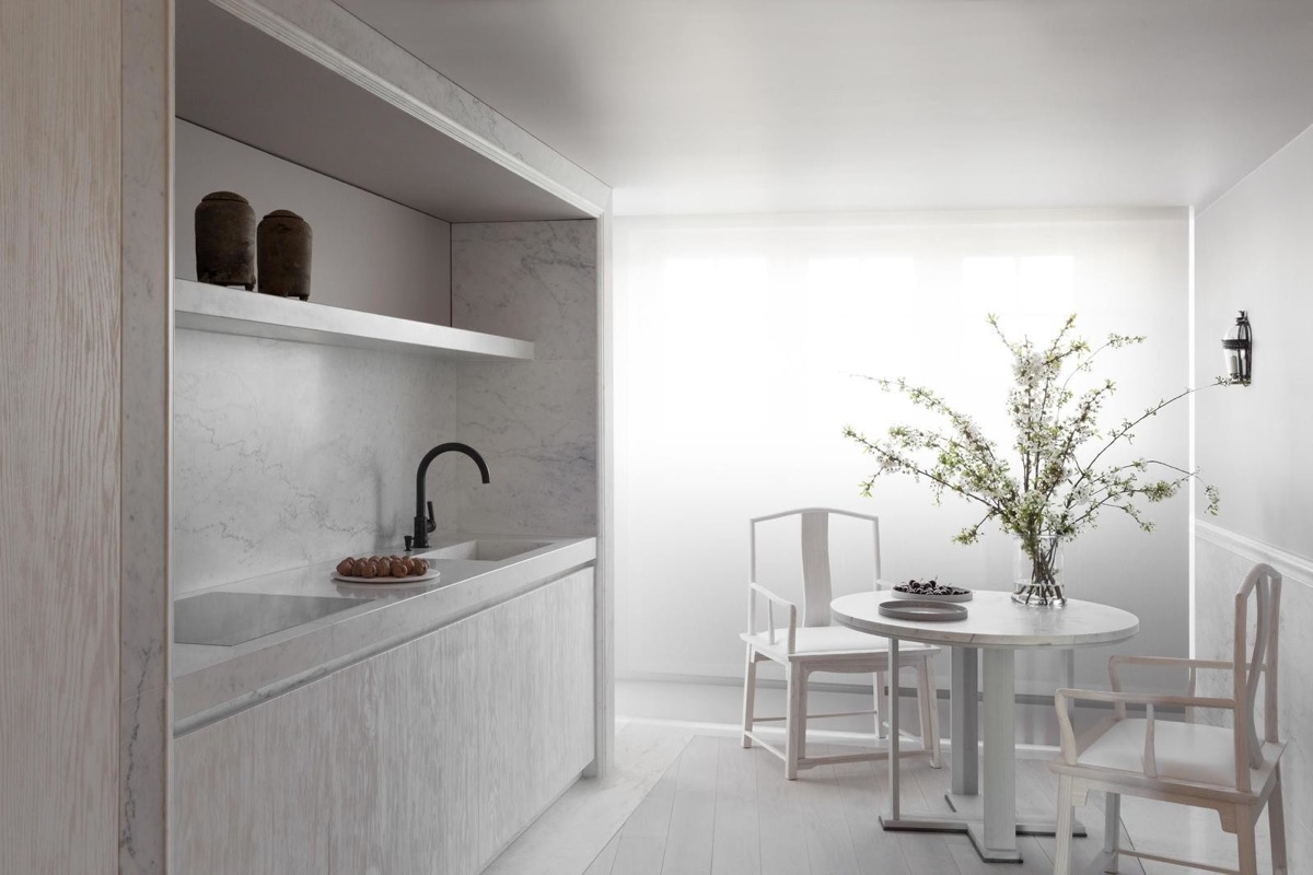 white-kitchen-diner-600x400.jpg