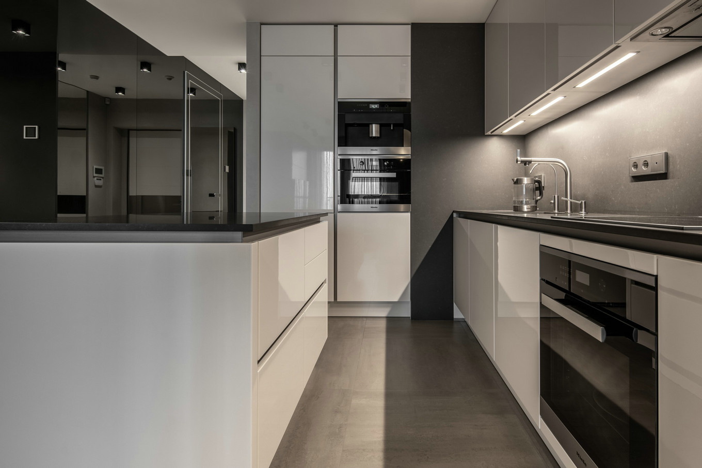 高级灰的极简舒适家居设计