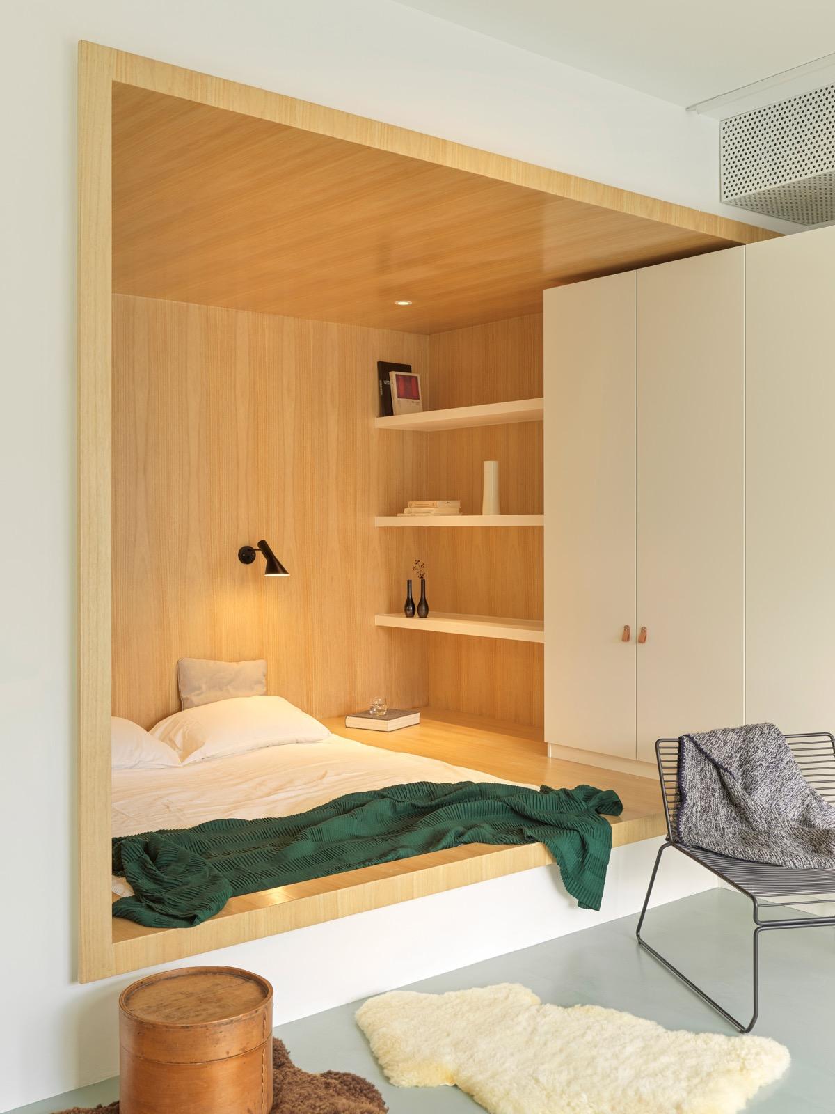 P住宅: 为年轻家庭打造的双层顶楼公寓