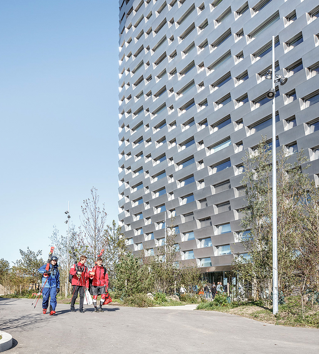 BIG作品:可兼作滑雪场的哥本哈根Copenhill垃圾焚烧发电厂