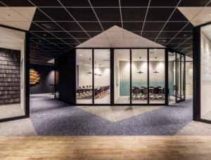 商业广告媒体公司Voyage东京办公室设计