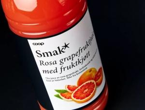 手绘插画风格的Smak*饮料和果酱包装