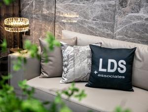 LDS作品 | 设计师林志辉如何玩转800㎡轻奢简约别墅