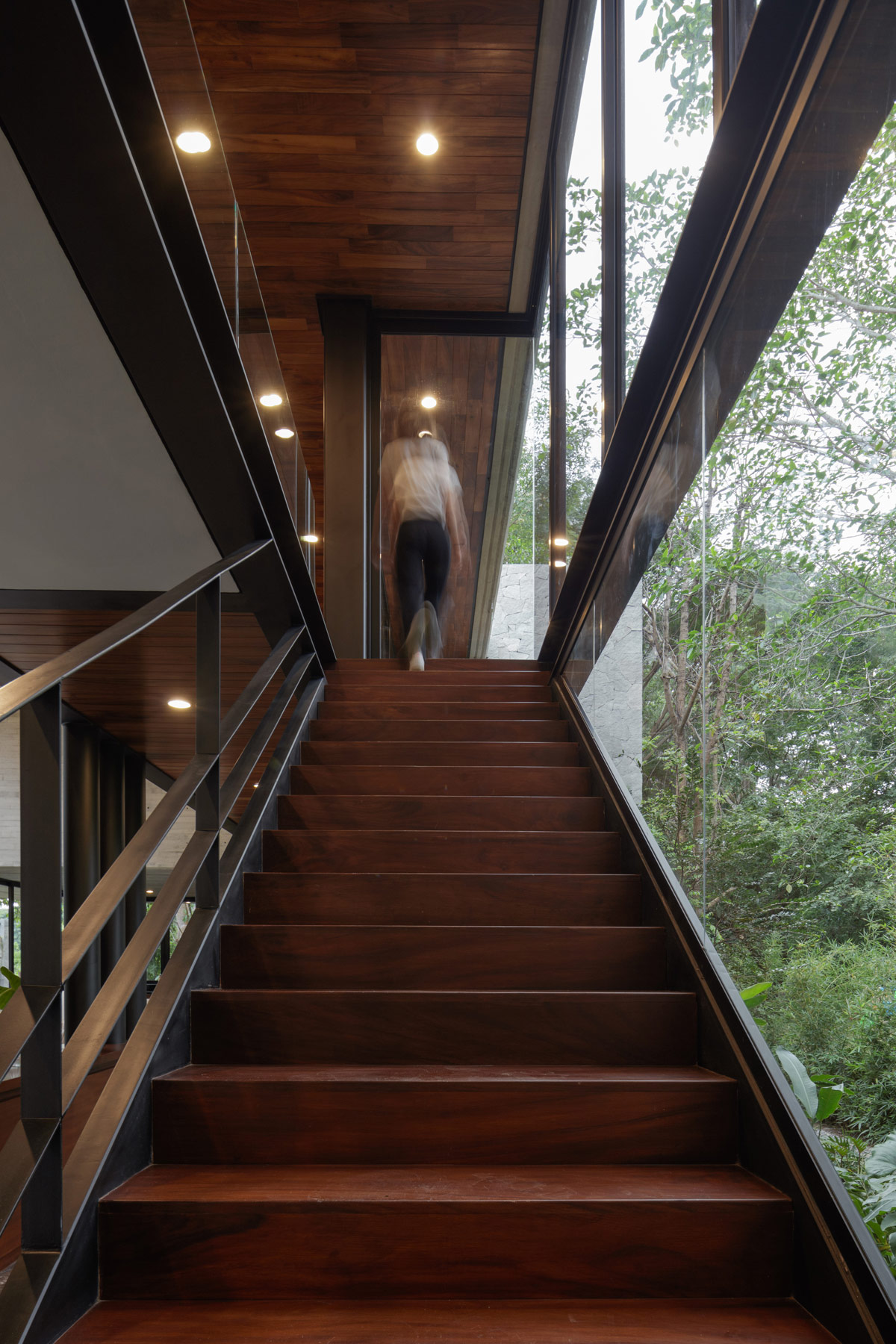 建筑与景观的完美融合! 丛林中的豪华别墅