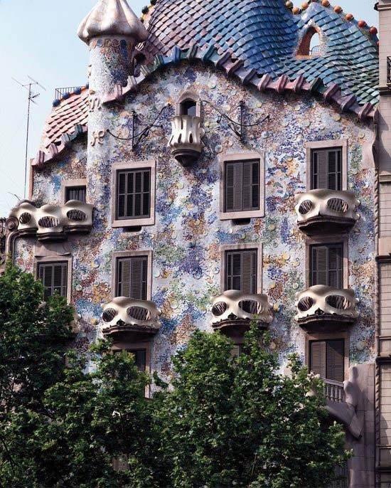 巴塞罗那的建筑灵魂—安东尼奥·高迪