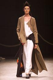 日本服装设计师山本耀司(YohjiYamamoto)