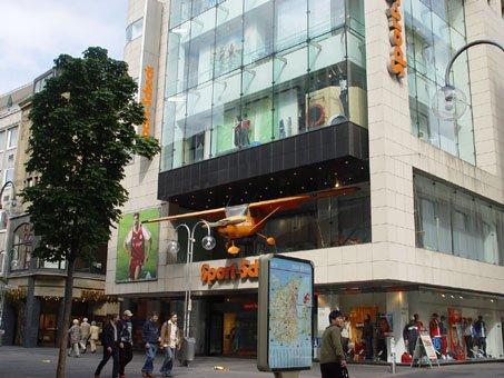 国外店面门头招牌设计欣赏(三)