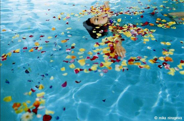 日本摄影师蜷川实花_绚烂的色彩: 日本摄影家蜷川实花(3) - 设计之家