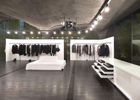 AnnDemeulemeester服装专卖店室内设计