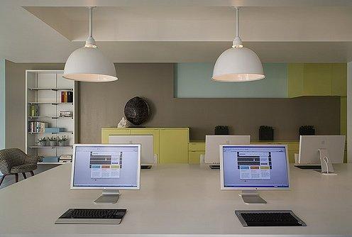 Adlucent办公室空间设计