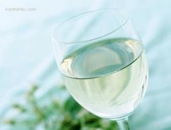 PS抽出滤镜抠出透明的玻璃杯