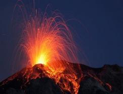 壮观的火山爆发摄影