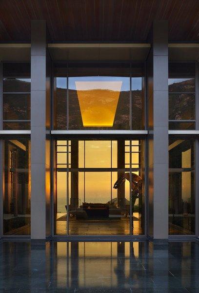 使用大面积落地玻璃的香港梦幻别墅