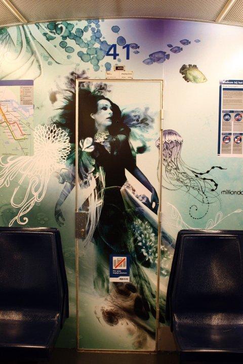 阿姆斯特丹地铁车厢创意插画艺术