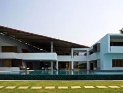 阿拉伯海岸迷人的海景别墅