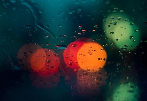 雨唯美伤感意境雨景_撑伞唯美雨景图片图片