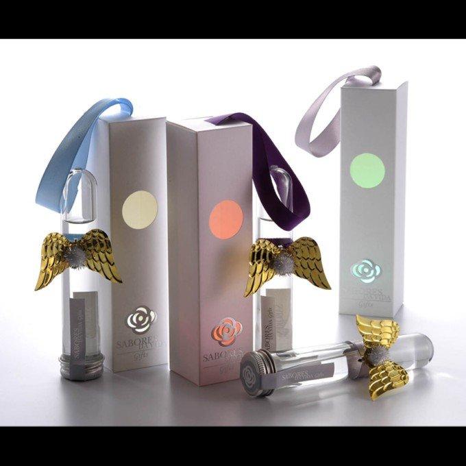 台湾设计师唐伟恒2010品牌设计作品