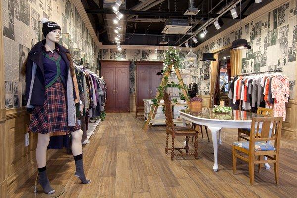 莫斯科MoodSwings时装店室内设计