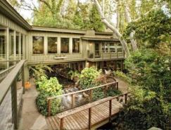 建立在小河之上的梦幻住宅