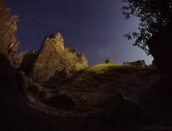 美丽的岩石和洞穴:亚美尼亚Goris夜景照片