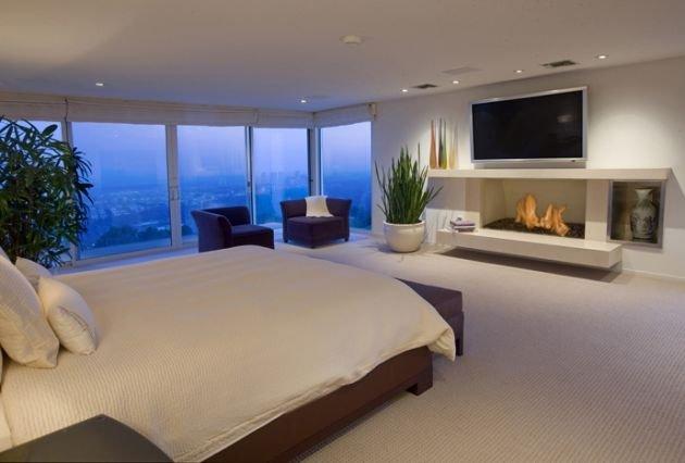 开阔的视野:洛杉矶山顶别墅欣赏