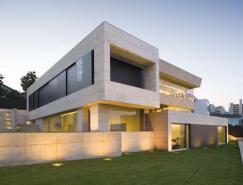 大空间和混凝土构造的Galicia豪宅