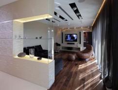 俄罗斯一套豪华复式公寓室内,体育投注