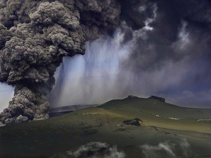瑞典摄影师HansStrand:壮观的冰岛火山喷发
