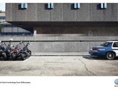 广告欣赏:大众ParkAssist自动泊车辅助系统